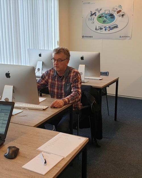 Het Overijssels Vakmanschap steunt herintreders in opleidingsmogelijkheden